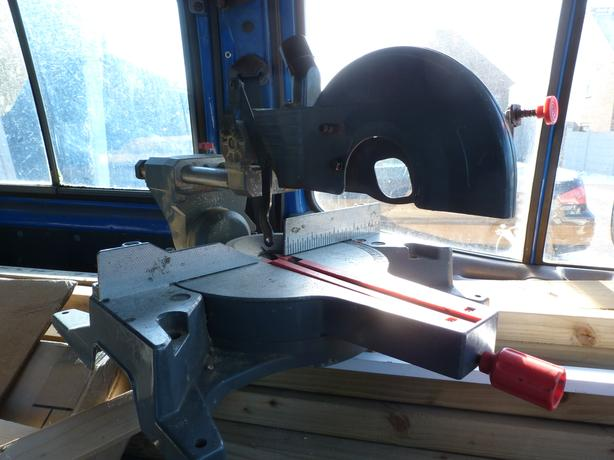 SLIDING COMPOUND MITRE CHOP SAW NEEDS ATTENTION