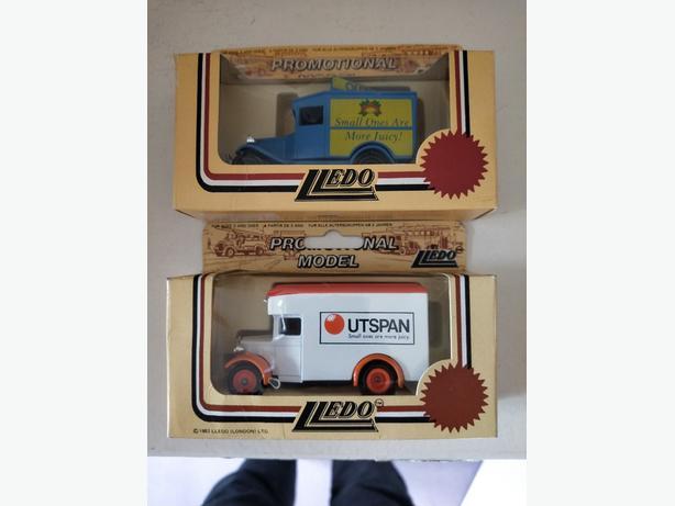Vintage Model set (Outspan Orange's)