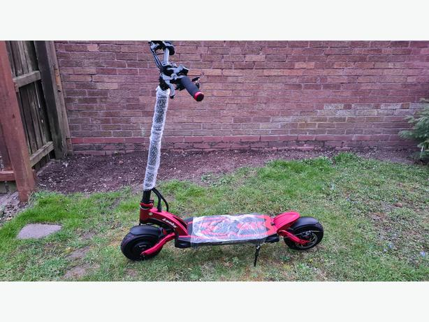 NEW Kaabo Mantis 2000w 60v 18.2AH Twin Motor Red Electric Scooter