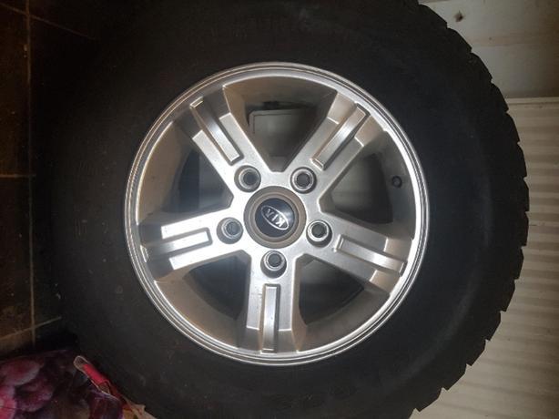 kia alloy an tyre