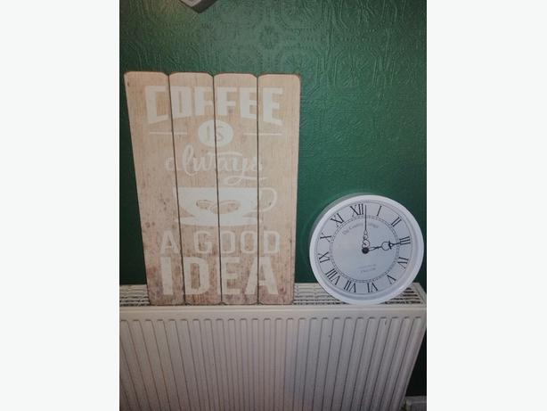 kitchen clock and wall art - £10 - Delivery -