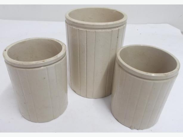Set of 3 Stoneware Pots