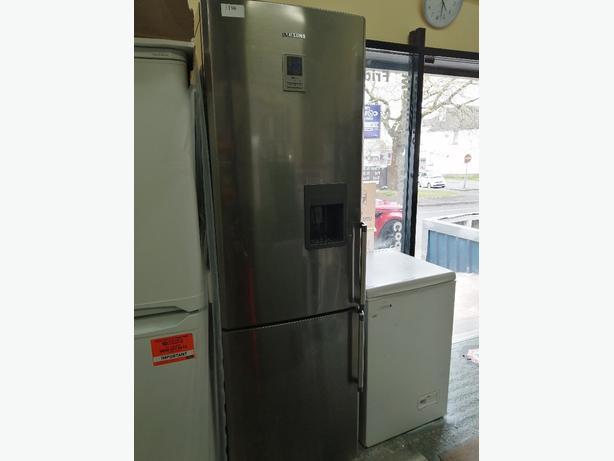 Samsung fridge freezer silver with water dispenser at Recyk Appliances