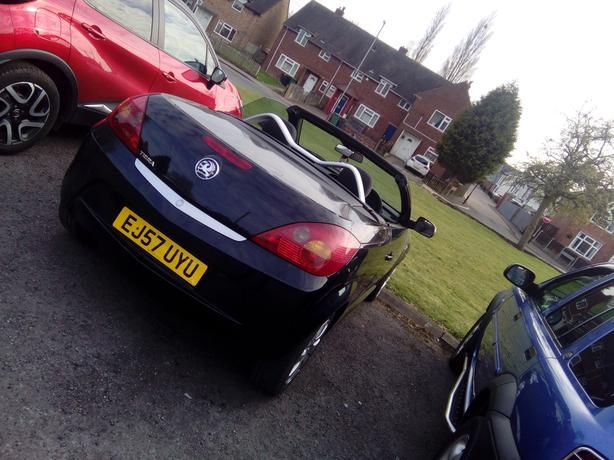 Vauxhall Tigra hardtop 2 seater convertible for sale,low miles,long mot.