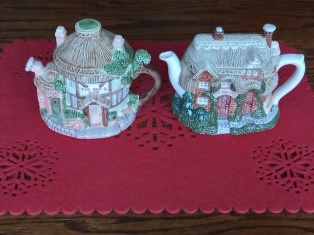 pottery tea pots