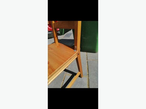 Free Dining table and chairs need gone ASAP