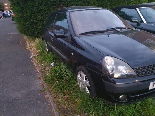 Renault Clio, 2003 (52) black hatchback, Manual Petrol, 127,826 miles