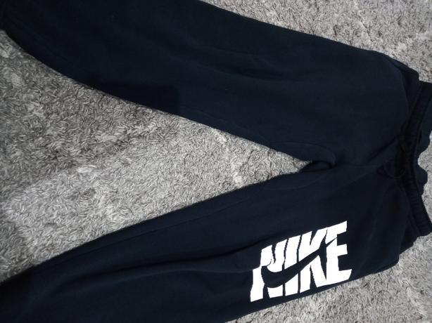 Nike fleece bottoms for men