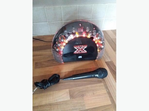 Xfactor cls200 karaoke machine /FM radio