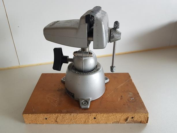VINTAGE QUALITY MADE USA ADJUSTABLE 2.5 INCH JAWS MODELMAKERS BENCH VICE GC