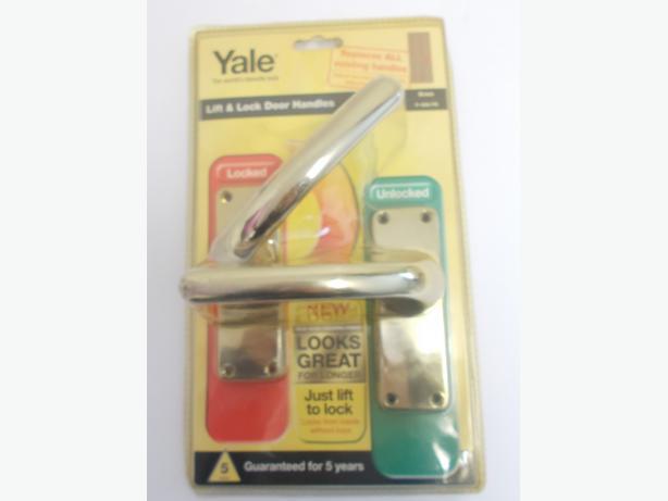 Yale Lift & Lock Door Handles Brass Internal