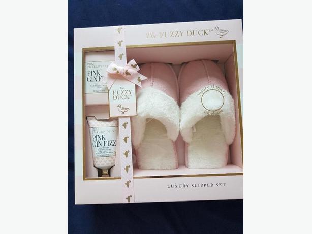 NEW The Fuzzy Duck luxury gift set
