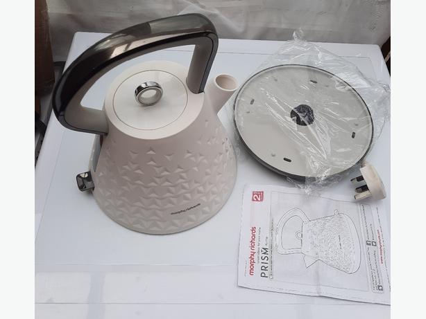 Morphy richards Prism kettle Cream