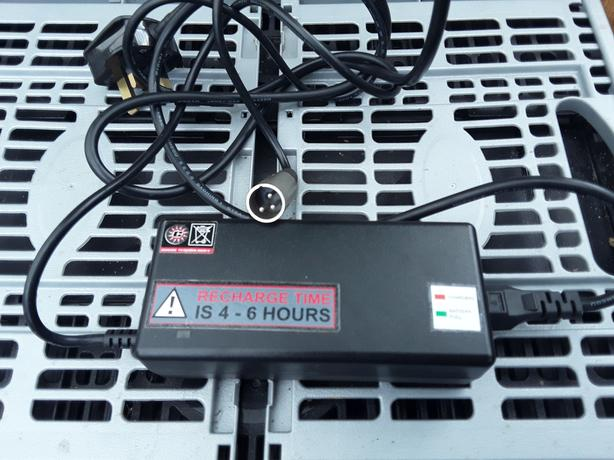 ELECTRIC BIKE CHARGER FOR 24 VOLT LI-ON BATTERY