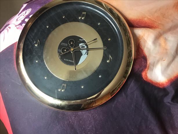 Elvis Presley musical clock