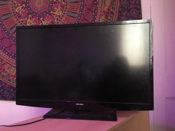 bush 32 inch 3d full hd tv+freeview+DELIVERY