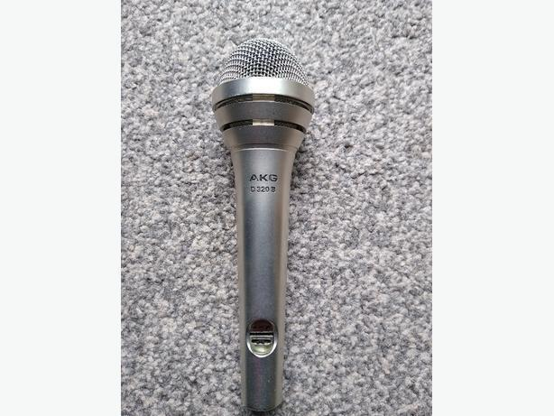 AKG D320B microphone