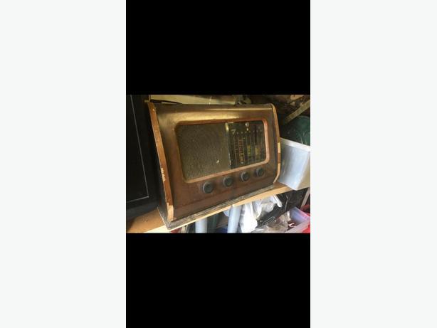 1950s wooden radio