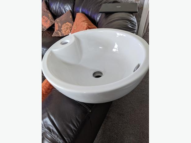 tabletop bathroom wash basin