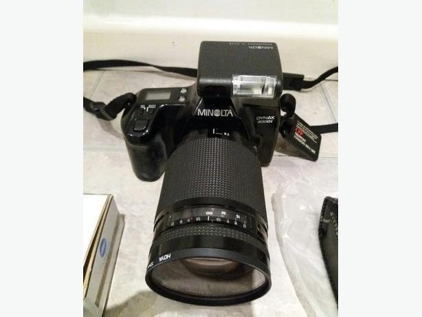 Minolta Dynax 3000i camera