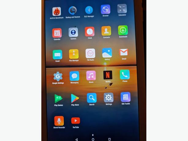 mediatek 10inch,128gb running android 10.(used once)