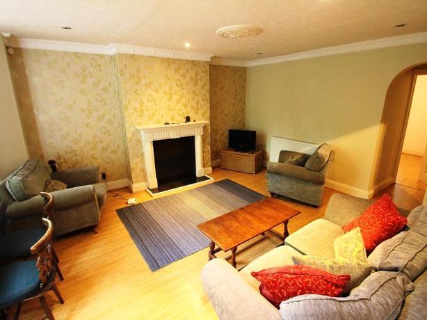 Beautiful modern double bedroom flat to rent