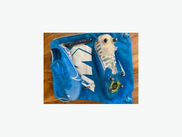 nike mecurial anti clog football boots