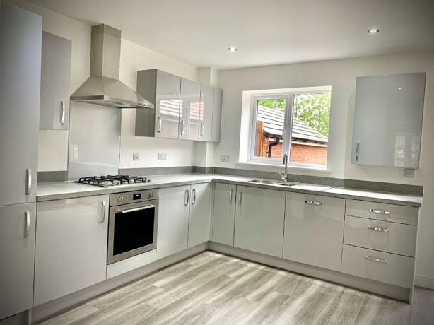 Fitted kitchens & bedrooms