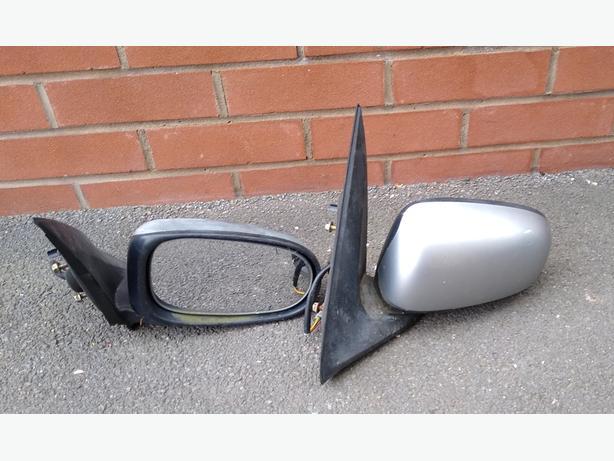 Nissan Almera Electric Mirrors.