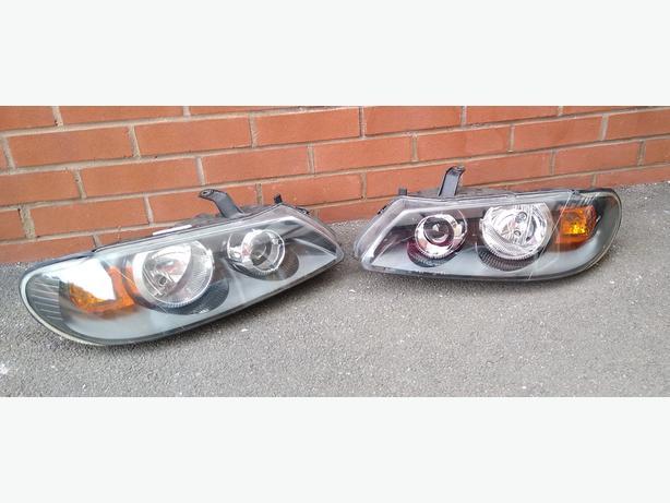 Nissan Almera Headlights. (Pair)
