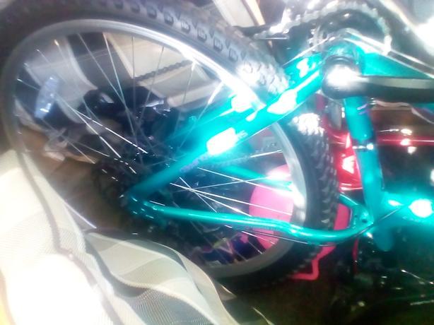 girls green bike *BRAND NEW*