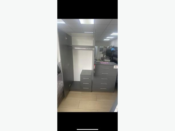 2 DOOR WARDROBE & CHEST BRANDNEW ASSEMBLED