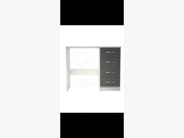 free delivery*DRESSING TABLE BRANDNEW