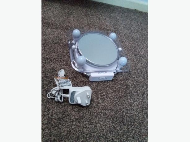 New revlon Lighted Make up mirror M48c 4.8V