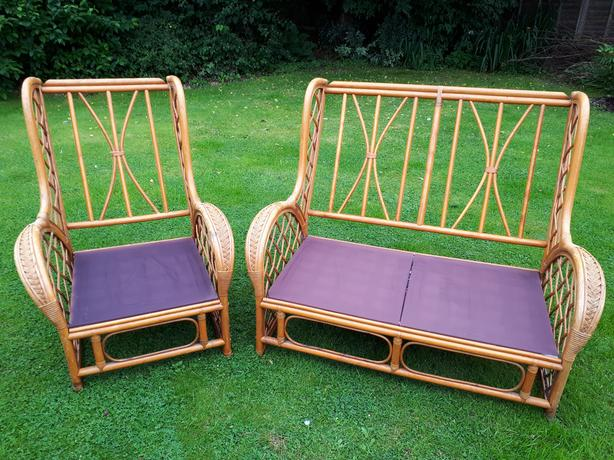 2 x Conservatory seats without pillows