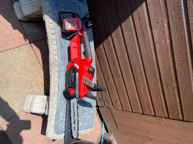 eilnhell chainsaw batery 18v