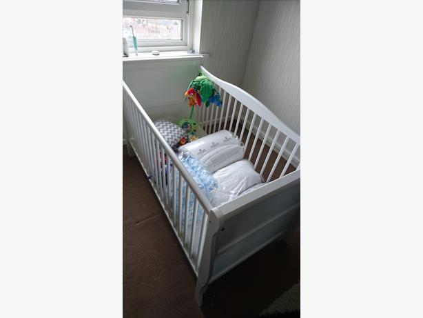Sleight cot/bed