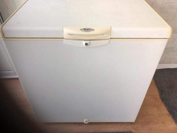 whirpool medium white chest freezer+good working order+DELIVERY