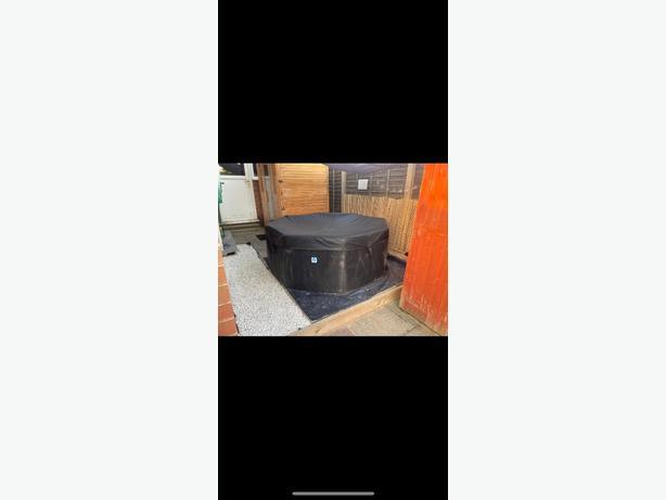Wave rigid foam hot tub