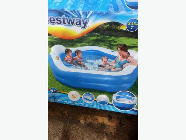 Bestway seated pool