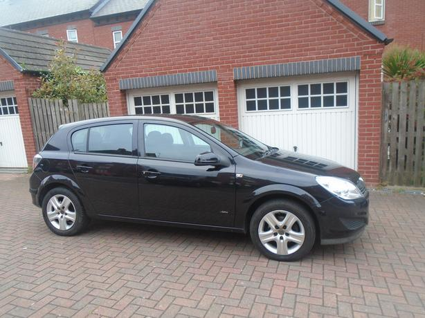 Vauxhall Astra 1.4 i 16v Active 5dr low low miles