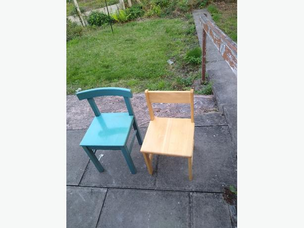 2 kids chairs