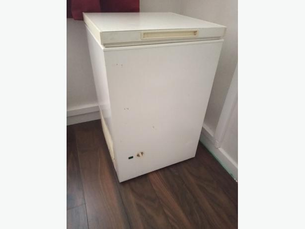 white chest freezer+good working order+DELIVERY