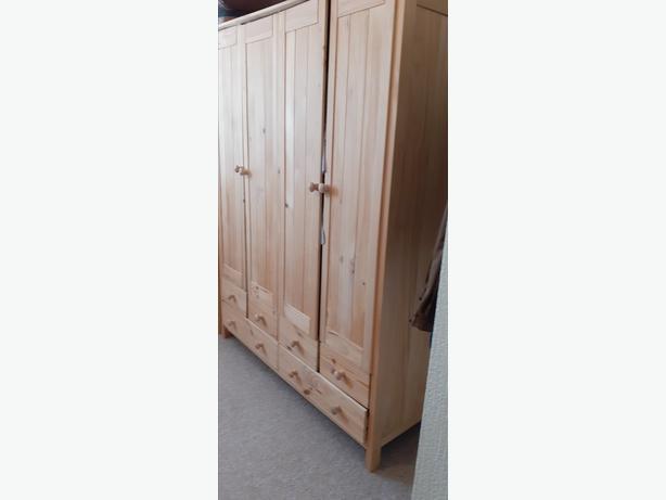 4 DOOR PINE WARDROBE WITH DRAWS