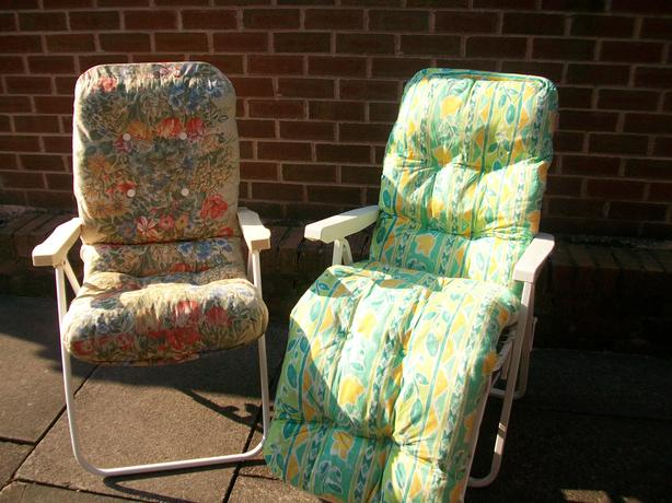 Two reclining sun loungers