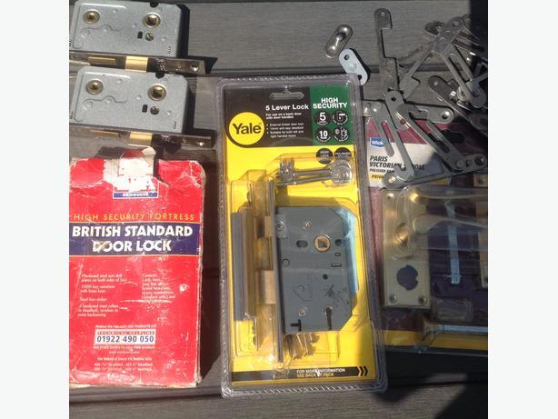 Locks and safety window locks
