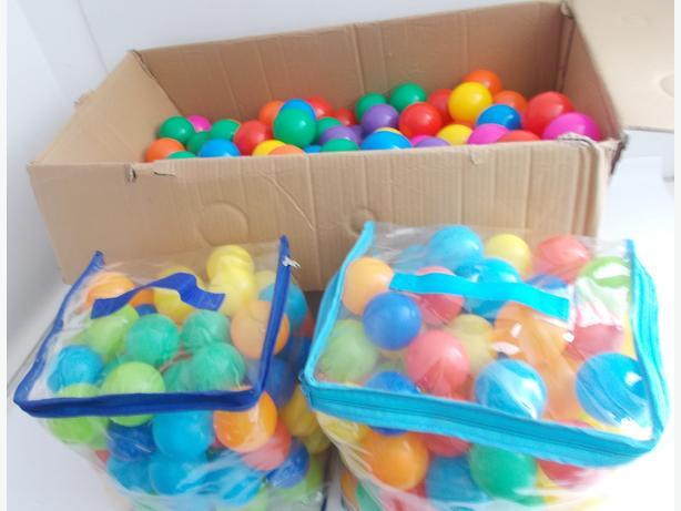 Joblot of 460 Childrens Playpit Multi Coloured Plastic Ball