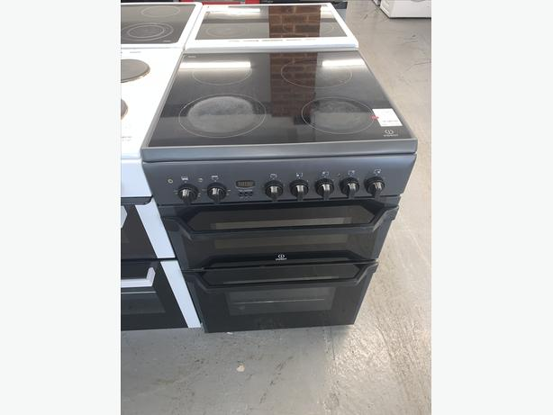 PLANET APPLIANCE - 60CM INDESIT ELECTRIC COOKER IN BLACK