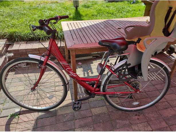 Bike Apollo Cafe with Hamax child seat