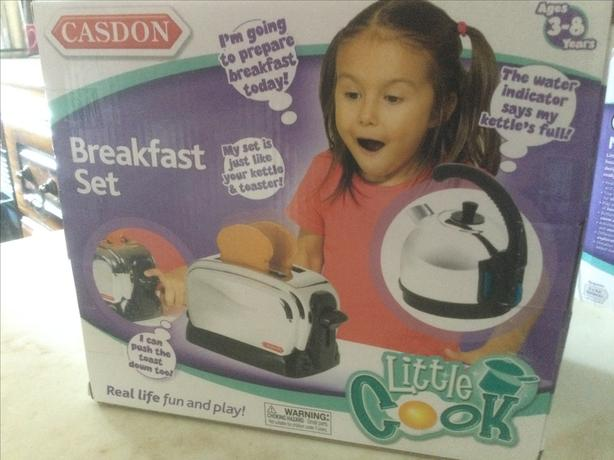 Childs kettle and toaster.